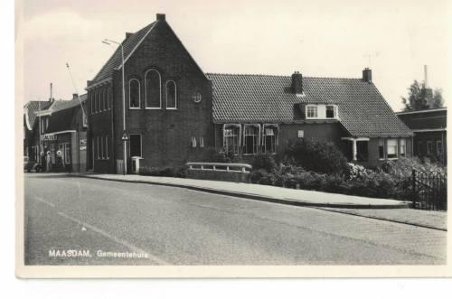 Maasdam gemeentehuis 1960-1970